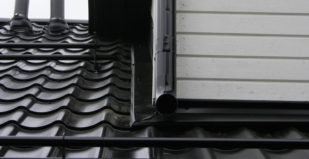 Seinällenostopellin, eli liitoslistan asennus, korjaus ja uusiminen