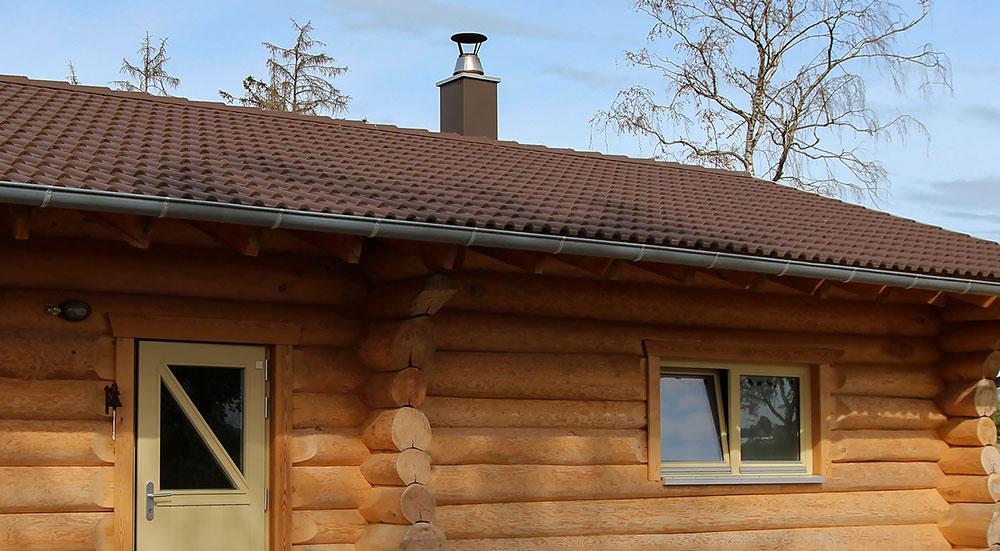 Rantasaunan kattoremontti uudistaa katon