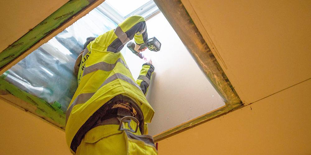 Kattokuvun ja kattovalokuvun korjaus
