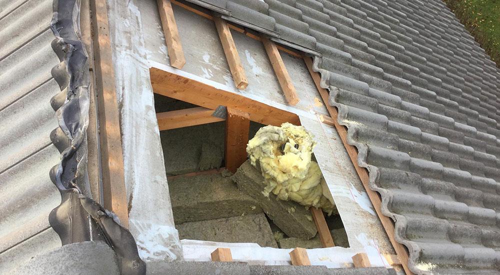 Kattoikkunan tai kattovalokuvun poistaminen katolta